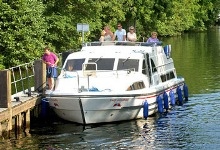 Hiring a boat on the River Thames