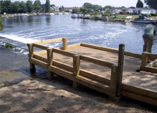 River Thame disabled angling platform
