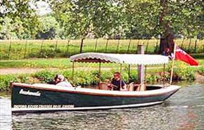 Exquisite picnic trips and elegant private charters in Oxford