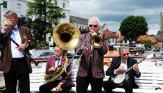Hobbs of Henley Traditional Jazz Cruise