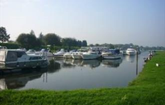 Racecourse Marina Windsor