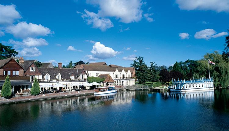 River Thames boat hire from the Swan at Streatley
