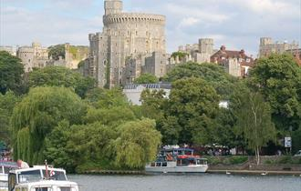 Image of Windsor Castle from the River Thames