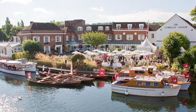 Wedding Open Evening at the Macdonald Compleat Angler