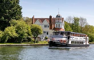 Sunday Lunch Cruise with Thames Rivercruise