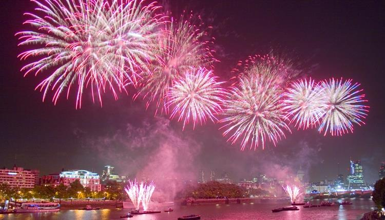 Lord Mayor's Fireworks with City Cruises
